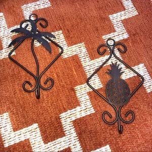Tropical brown metal decorative hooks set of 2